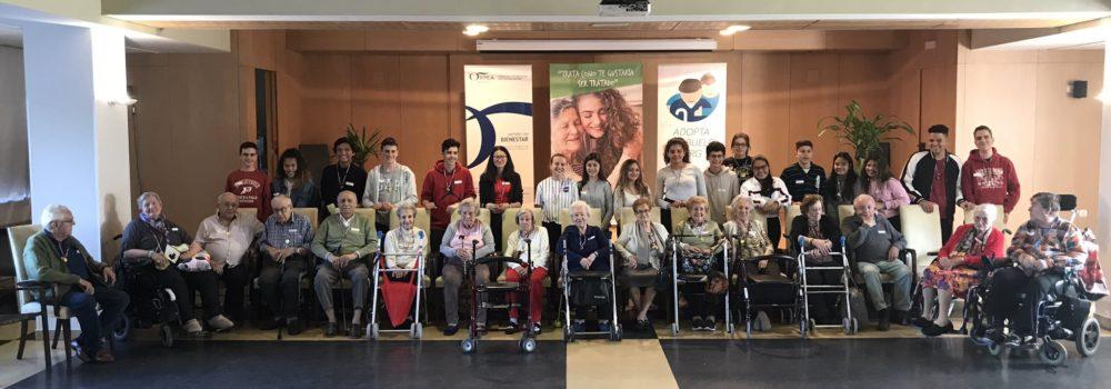 Jóvenes y mayores protagonizan una jornada intergeneracional, organizada por Fundación Mayores de Hoy