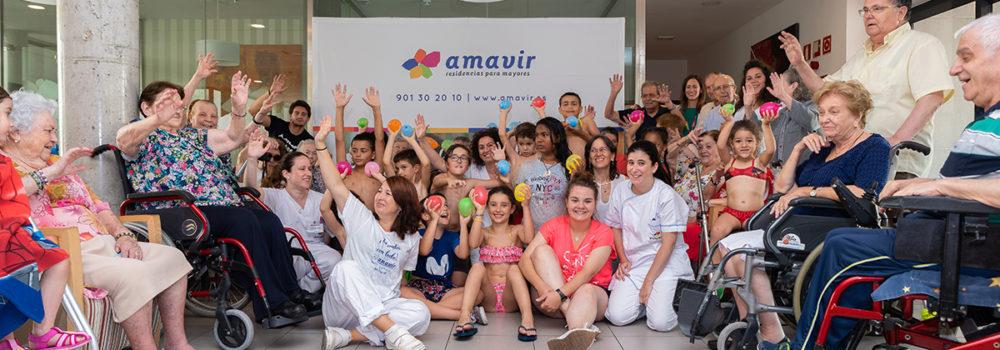 Niños y mayores fomentan el buen trato en Amavir Coslada